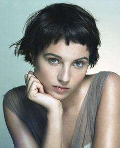 Today we have the most stylish 86 Cute Short Pixie Haircuts. We claim that you have never seen such elegant and eye-catching short hairstyles before. Pixie haircut, of course, offers a lot of options for the hair of the ladies'… Continue Reading → Edgy Short Hair, Short Curly Hair, Short Hair Cuts, Short Hair Styles, Curly Bob, Short Haircuts With Bangs, Short Hairstyles For Thick Hair, Hairstyles With Bangs, Very Short Bangs