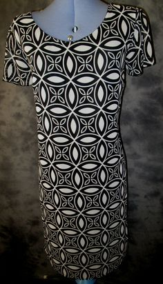 George,ladies,black+off white,size 20,cap sleeved,polyester,shift,formal,,Dress.