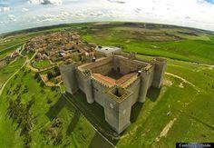 Castillo de Montealegre de Campos · Castillos del Olvido - Castillos de España