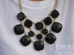love this bubble necklace!