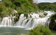 Krkan vesiputoukseen ja Sibenikin rantakaupunkiin pääset tutustumaan retkellämme. Nauti ympäröivästä upeasta luonnosta, ui kristallinkirkkaassa vedessä ja ota rennosti tuoksuvien sitruunapuiden varjossa. www.apollomatkat.fi #Kroatia #Krka Places To Go, Waterfall, Travel, Outdoor, Outdoors, Viajes, Waterfalls, Destinations, Traveling