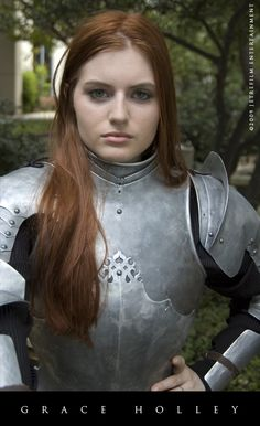 "Redhead in plate armor. Women wearing plate armor are far more a turn on to me than women in chain maille bikinis. This beautiful lady would kicketh the crapeth out of chain maille bikini ""clad"" woman. Female Armor, Female Knight, Medieval Armor, Medieval Fantasy, Caballero Andante, Armadura Cosplay, Armadura Medieval, Templer, Landsknecht"