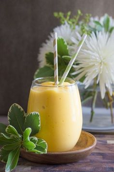 Tropical Sunshine Smoothie | Lovely Little Kitchen