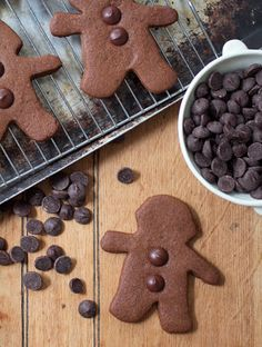 automatism: Good Cheer: The City Sage's Chocolate Gingerbread People