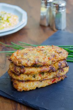 Print Loaded Cauliflower Hashbrowns Author: The Blue Jean Chef, Meredith Laurence Serves: 8 Everyone loves a hashbrown for breakfast, but wait until you taste a cauliflower hashbrown – a little ligh Cauliflower Potatoes, Loaded Cauliflower, Cauliflower Recipes, Chef Recipes, Cooking Recipes, Healthy Recipes, Keto Recipes, Blue Jean Chef, Gourmet