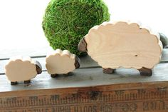 Mama Sheep and her Little Lambs Wood Toy Set - Natural Eco Friendly Waldorf Wooden Toy