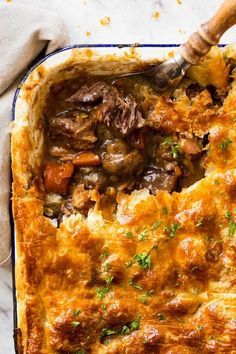 An EPIC Chunky Beef and Mushroom Pie. Prepare to swoon!recipetineats… An EPIC Chunky Beef and Mushroom Pie. Prepare to swoon! Beef And Mushroom Pie, Mushroom Recipes, Mushroom Cake, Beef Pies, Venison Pie, Dessert For Dinner, Appetizer Dinner, Dinner For 2, Dinner Party Menu