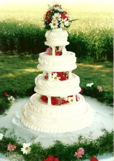 Wedding Cakes Richmond VA, Cakes for Richmond VA Weddings Black And White Wedding Cake, Red Rose Wedding, Wedding Cake Roses, Purple Wedding Cakes, Wedding Cakes With Cupcakes, Wedding Cakes With Flowers, Flower Cakes, Gold Wedding, Dream Wedding
