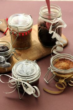 Cakes in Jar    Chocolate Chip Banana Bread and Devils Food in Jar adapted from Martha Stewart
