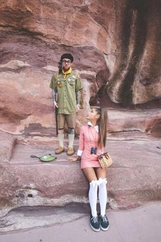 See every single one of Ariana Grande and Mac Miller's Halloween couple costumes. Brace yourself for the most adorable roundup ever. Epic Halloween Costumes, Best Celebrity Halloween Costumes, Halloween Inspo, Halloween Kostüm, Halloween Cosplay, Halloween Outfits, Vsco Girl Halloween Costume, Mac Miller And Ariana Grande, Ariana Grande Mac