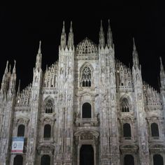 #milano #city #night #duomo #amazing #nightlife #photooftheday #instamood #fashion #tuesdaynight #beautifulnight #milanodavedere #milanodaclick #ilovemilano by michicalzavacca