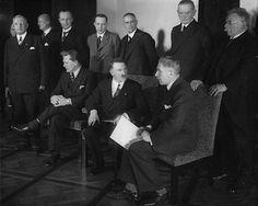 The Cabinet Hitler: In addition to the Chancellor Hermann Göring (NSDAP) and Franz von Papen (independent, formerly Centre). Standing from left: Franz Seldte (DNVP), Hans Lammers (NSDAP),  Dr. Günther Gereke (CNBL), Lutz Graf Schwerin von Krosigk (independent),  Wilhelm Frick (NSDAP), Werner von Blomberg (independent) and Alfred Hugenberg (DNVP).