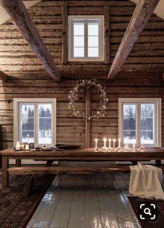 🌟Tante S!fr@ loves this📌🌟Ambiance cosy au sein d'un chalet en bois authentique Cabin Interiors, Rustic Interiors, Cabin Homes, Log Homes, Home Interior, Interior Design, Showroom Design, Decor Scandinavian, Cabins And Cottages