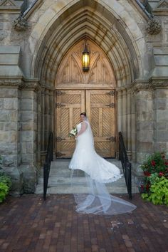 Anne de Detroit is the second oldest continuously operating Catholic parish in America. We welcome visitors to our beautiful historic church. Detroit Wedding, Wedding Pictures, Got Married, Picture Ideas, Catholic, Europe, Wedding Dresses, Beautiful, Bridal Dresses