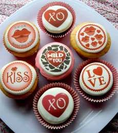 Valentine Luv Bytes- edible images themarriedapp.com hearted <3
