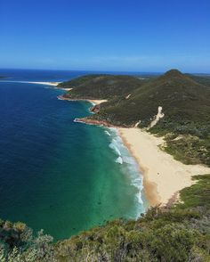 Beautiful view of Fingal Bay from Mount Tomaree up at Port Stephens. The family are still up there but some of us had to come back for work.  #fingalbay #visitnsw #tomareemountain #tomareemountain #portstephens #nsw #australia #travel #instatravel #travelgram #wanderlust #worldtravelpics #latergram #passportready #travelblogger #thecityscout #theworldguru #traveldejavu #ilovetravel #traveltheworld #igtravel #travelblog #travelpics #travelphotography #worldcaptures #travelawesome…