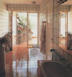 Houses Architecture, Interior Architecture, Retro Home Decor, Home Decor Trends, Retro Interior Design, 1980s Interior, Luxury Interior, Aesthetic Rooms, Chic Bathrooms