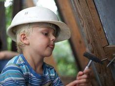 Sie träumen davon, für Ihre Kinder ein Baumhaus zu bauen? Dann hören Sie auf mit den Träumen - und fangen Sie gleich an! Wir haben Ihnen dazu viele nützliche Tipps zusammengestellt. In einer Bildershow zeigen wir außerdem, wie sich eine Familie den Traum vom Baumhaus tatsächlich erfüllte.
