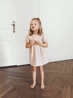 Round neck dress with short elasticated sleeves. Featuring button fastening at the back and all over embroidered motifs with shiny detailing. Zara Home Stores, Zara Baby, Short Dresses, Summer Dresses, Zara Kids, Zara United States, Kid Styles, Jumpsuit Dress, Summer Baby