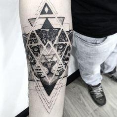 WEBSTA @ henryschneider1 - ✖️Dot  work✖️ #tattoo2me #tguest #darkartists #equilattera #blxkink #blackworkers #blacktattooart #tonoinsptattoos #amazingtattoos #tattooforgirls #tattoosp #dotwork #love #jaguartattoo #jaguar #geometrictattoo #geometric #tattooedgirls #blackworksubmission #blackworkbrasil #onlyblackwork