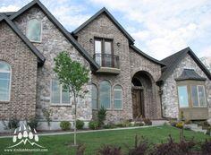 Stone Blend: Cut Fieldstone & Villa Stone, Color: Pecos with Brick   Kodiak Mountain Stone