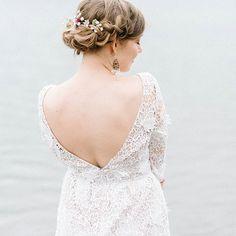 I had some amazing elopements, intimate weddings and vow renewals last month!  This stunning woman was one of the happy brides❤ Hair: @hiushuonestage Flowers: @flowerstore_floranna  Dress: Landry Dress by @bhldn . . . . . #häät #mennäännaimisiin #meidänhäät #häät2017 #häät2018 #tahdon #ighaakuvaajat #hääkuvaus #hääkuvaaja #långvik #intimatewedding #dokumentaarinenhääkuvaus #hääkuvaushelsinki #fineartphotographer #fineartweddingphotography #weddingday #ohwowyes #belovedstories…