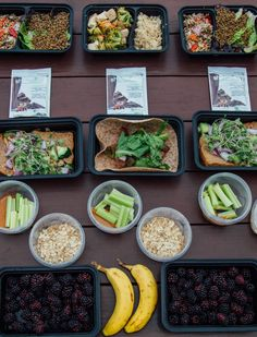 You can follow the 21 Day Fix eating plan on a vegan diet and still get plenty of protein to power you through the day. This special, 5-day vegan meal prep is great for anyone who currently follows a vegan diet, or for anyone who is interested in vegan eating. Click through for all the details! // Meal Prep Monday // 21 Day Fix Approved // 21 Day Fix Vegan // beachbody // beachbody blog