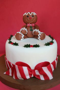 Idea for store bought Cake Christmas Gift Christmas Themed Cake, Christmas Cake Designs, Christmas Cake Topper, Christmas Cake Decorations, Christmas Cupcakes, Christmas Sweets, Holiday Cakes, Christmas Cooking, Christmas Goodies