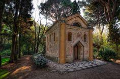 Ermita, Jardín El Capricho, Madrid.