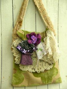 what a cute purse