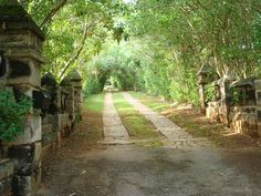 Bermuda~at the end of this road is a wonderful pale peach colored house. True ~ we found it.