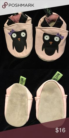 Pickle Bottom Toddler Shoes Brand new, never worn, Pickle Bottom shoes. The stickers were removed from the bottom so I am unsure of the exact size, but comparing to my daughters other shoes should fit around sizes 2-3 baby/toddler. These are light pink with cute owls on them. So cute! Soft soles. Smoke and pet free home. Pickle Bottom Shoes Baby & Walker