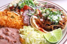¡La mesa está servida! #Tacos y #frijoles, una explosión de sabores para que tu visita a tierras mexicanas se lleve más que solo un par de souvenires.