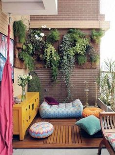 apartment patio gardens 10 Apartment Patio Garden Design Ideas, Most Elegant as well as Interesting Small Balcony Garden, Small Balcony Decor, Balcony Design, Garden Design, Balcony Ideas, Garden Web, Easy Garden, Patio Ideas, Narrow Balcony