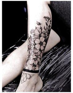 Ankle Tattoos For Women Anklet, Anklet Tattoos, Foot Tattoos For Women, Tattoos For Ankles, Womens Ankle Tattoos, Calf Tattoo Women, Ankle Tattoos For Women Mandala, Ankle Tattoo Mandala, Small Tattoos