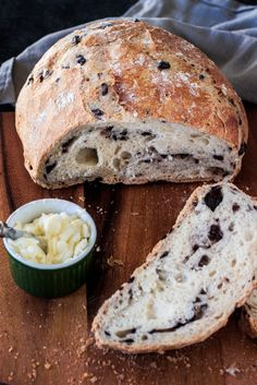 Mediterranean Black Olive Bread a delicious no-knead crusty bread made with Mezzetta Kalamata Olives. Use GF flour Artisan Bread Recipes, Baking Recipes, Chef Recipes, Soup Recipes, Kalamata Olive Bread, Kalamata Olives, Black Olive Bread Recipe, Mediterranean Bread, Dutch Oven Bread