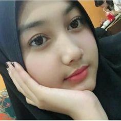 Collection Hindustan of Hot Photos - Wallpaper Artis India Arab Girls Hijab, Girl Hijab, Muslim Girls, Beautiful Muslim Women, Beautiful Hijab, Lily Chee, Modern Hijab Fashion, Hijab Fashionista, Muslim Beauty