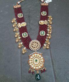 Seven Layer Ruby Beads Kundan Set Antique Jewellery Designs, Indian Jewellery Design, Bead Jewellery, Beaded Jewelry, Jewelry Design, Fabric Jewelry, Handmade Jewellery, Indian Wedding Jewelry, Indian Jewelry