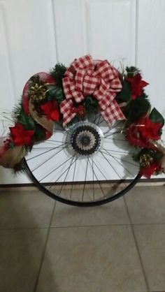 bicycle tire wreath - Google Search All Things Christmas, Christmas Crafts, Christmas Decorations, Holiday Decor, Bicycle Decor, Bicycle Crafts, Dress Form Christmas Tree, Diy Wreath, Holiday Wreaths