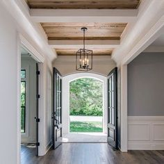 Perfect with fabulous wood plank ceiling love white beams on stained planks! Wood Plank Ceiling, Wood Ceilings, Wood On Ceiling Ideas, Painted Wood Ceiling, Painted Beams, Hallway Ceiling, White Beams, Farmhouse Flooring, Ceiling Treatments