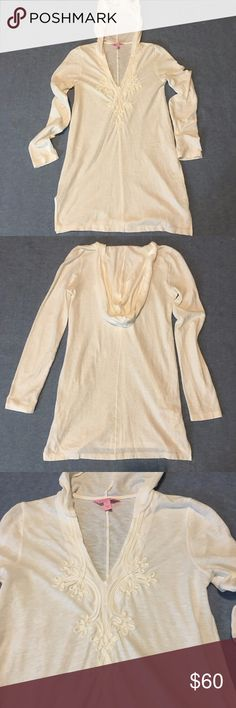 """Lilly Pulitzer Hooded Knit Tunic Top Medium White Brand: Lilly Pulitzer Size: Medium Color: White Style/Specifics: Women's Medium Hooded Knit Top - Long Sleeve - V - Neck Soutache Trim Around Neckline  ALL MEASUREMENTS ARE APPROXIMATE AND TAKEN WITH GARMENT LAYING FLAT  Armpit to Armpit: 18"""" Bottom of Hem from Hip to Hip: 20"""" Length: 32""""  Sleeves: 26"""" Lilly Pulitzer Tops Tunics"""