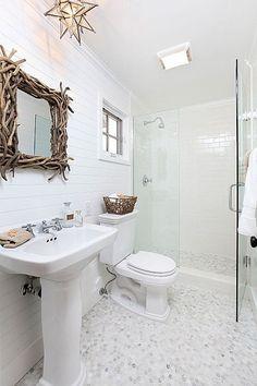Cottage Bathroom with Shades of Light Rectangular Driftwood Mirror, Shades of light moravian star ceiling light Bathroom Design Luxury, Luxury Interior Design, Minimalist Bathroom, Modern Minimalist, Driftwood Mirror, Coastal Bathrooms, Chic Bathrooms, Small Bathrooms, Beautiful Bathrooms