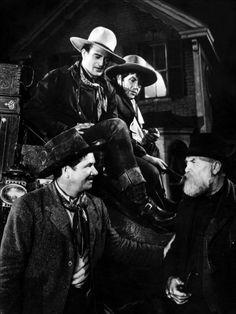 John Wayne, George Bancroft, Andy Devine, and Francis Ford in Stagecoach Hollywood Actor, Golden Age Of Hollywood, Classic Hollywood, Stagecoach 1939, Iowa, Franck Sinatra, Wayne Family, Westerns, John Carradine