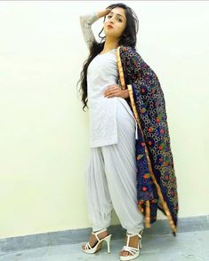 Image may contain: one or more people and people standing Punjabi Girls, Punjabi Suits, Salwar Suits, Patiala Salwar, Shalwar Kameez, Beautiful Girl Photo, Cute Girl Photo, Punjabi Fashion, Indian Fashion