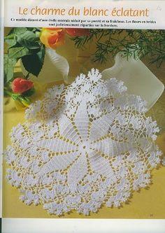 This Pin was discovered by Ana Crochet Mat, Crochet Doily Diagram, Filet Crochet Charts, Crochet Motifs, Crochet Home, Thread Crochet, Crochet Gifts, Crochet Doilies, Crochet Table Topper