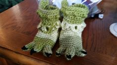 Crochet Toddler Dino feet slippers