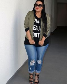 #plussizefashion #fashion #style #moda #fashionblogger #instablog #modafeminina #streetstyle #instafashion #boxbraids #hairinspiration #protectivestyle