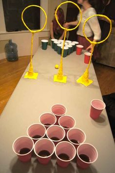 Quidditch Pong – Harry Potter (plus goblet-of-fire-shots) - Halloween Party Harry Potter Halloween, Cumpleaños Harry Potter, Harry Potter Christmas, Hogwarts Christmas, Christmas Beer, Office Christmas, Family Christmas, Holidays Halloween, Halloween Fun