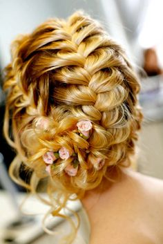 Wedding Hair - I love this and when I took the veil off after the ceremony I'd still have a gorgeous look