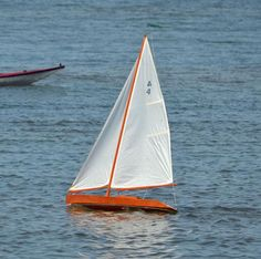 Remote Control Sailing Model Kit: Independence One-Design Radio Control Racing Yachts